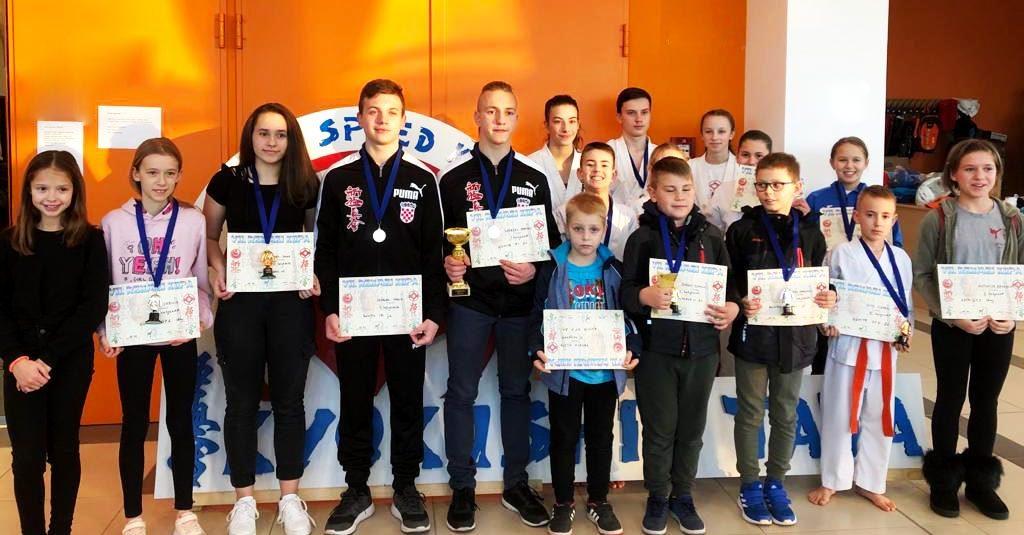 16 Medalja iz Mađarske